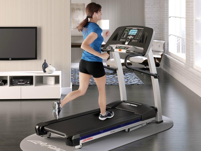 F1 Smart Treadmill - Life Fitness